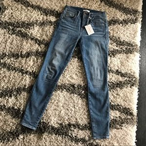 NWT Good American Good Legs Jeans Size 26